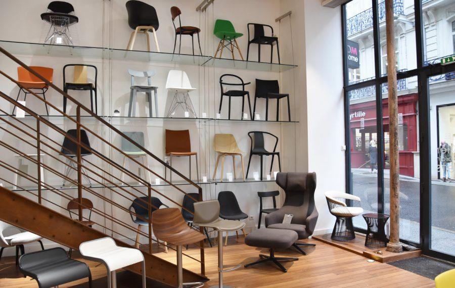 Mur de chaises,